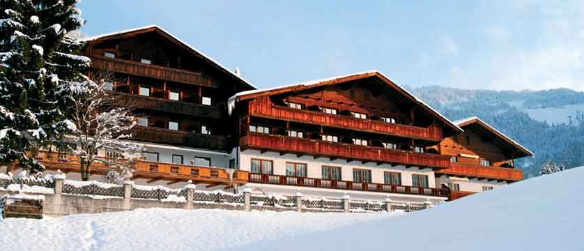 Austria_Alpbach_Hotel-Alpbacherhof_Exterior-winter4.jpg